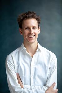 Portrait Mag. Dennis Johnson